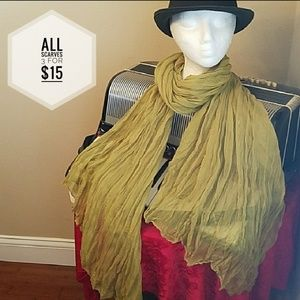 Accessories - NWT - BEAUTIFUL CRINKLE SCARF